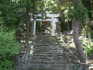 御蔵島・稲根神社